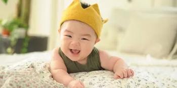 名人是怎样给宝宝起名字的